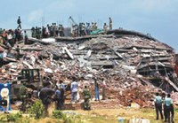 Factory collapsed - Bangladeshi Garment Workers Buried Alive